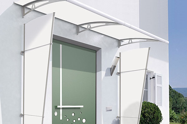 Structure to repair the entrance from rain and wind that can be combined with all types of canopies made with the same finishes as the Newentry canopies. & VELA « RoyalPat